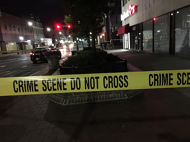 Police set up a perimeter on Court Street just east of the State Street intersection. (Photo: Bob Joseph/WNBF News)