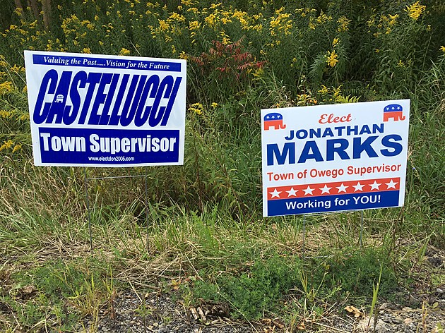 Campaign signs for Republican candidates for Owego town supervisor posted along Route 434. (Photo: Bob Joseph/WNBF News)